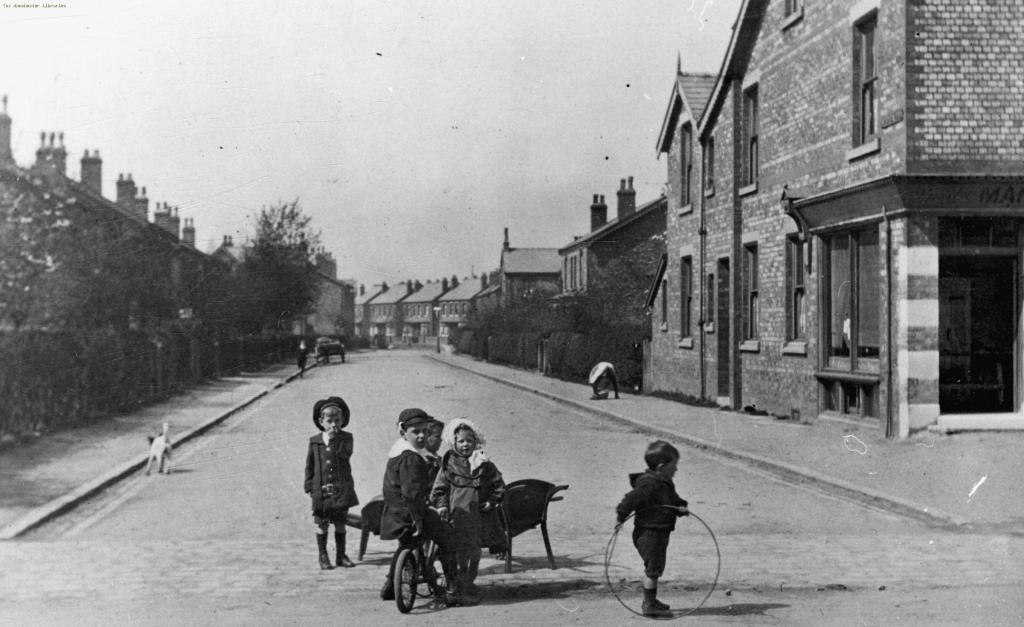 Children in Northenden, Lingard Road, Northenden 1900.  Manchester Local Image Collection ref: m48775